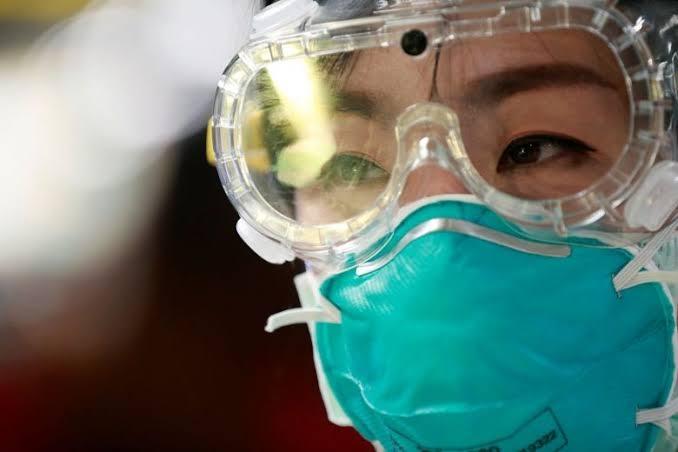 Coronavírus pode ser transmitido também pelos olhos | A Rede ...